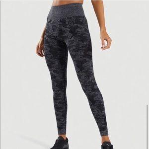 Gymshark Camo Seamless Leggings- XS